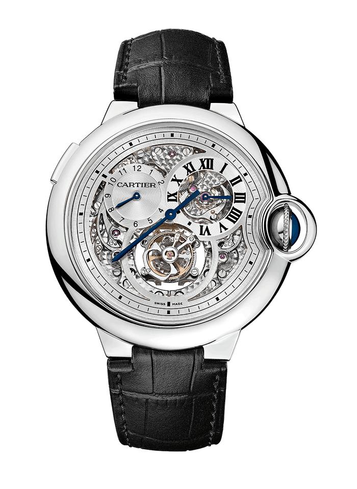 La simetría del conjunto y los nobles volúmenes de este reloj son resaltados mediante un juego de rupturas armoniosas juiciosamente elegidas