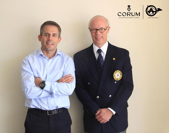 Cédric Doffey, Director de Operaciones de Corum América Latina y Herbert Bettinger, Comodoro del Club de Yates de Acapulco