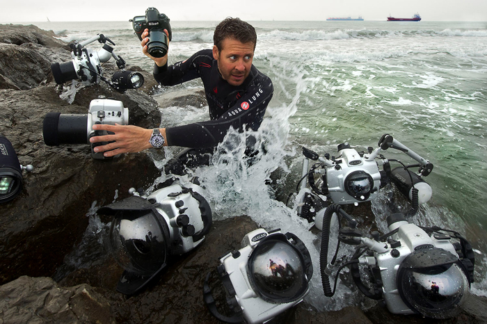 Laurent Ballesta portando un Fifty Fathoms de Blancpain.