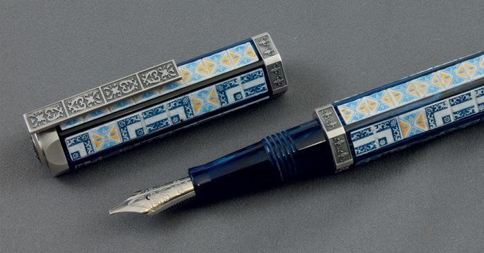 Visconti rinde un homenaje mundial a la belleza de la Casa de los Azulejos.