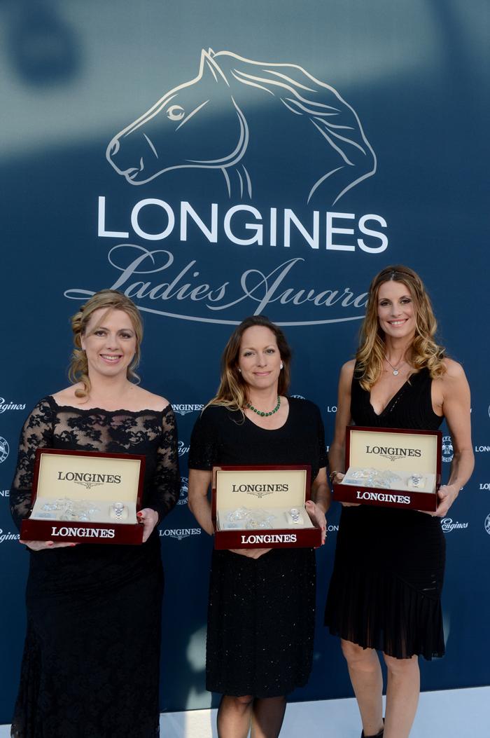 Annie Morgado, en representación de Athina Onassis de Miranda, ganadora del Longines Ladies Awards, la Princesa Zahra Aga Khan, ganadora del Longines Ladies Awards, y Sophie Thalmann, ganadora del Longines Ladies Awards.