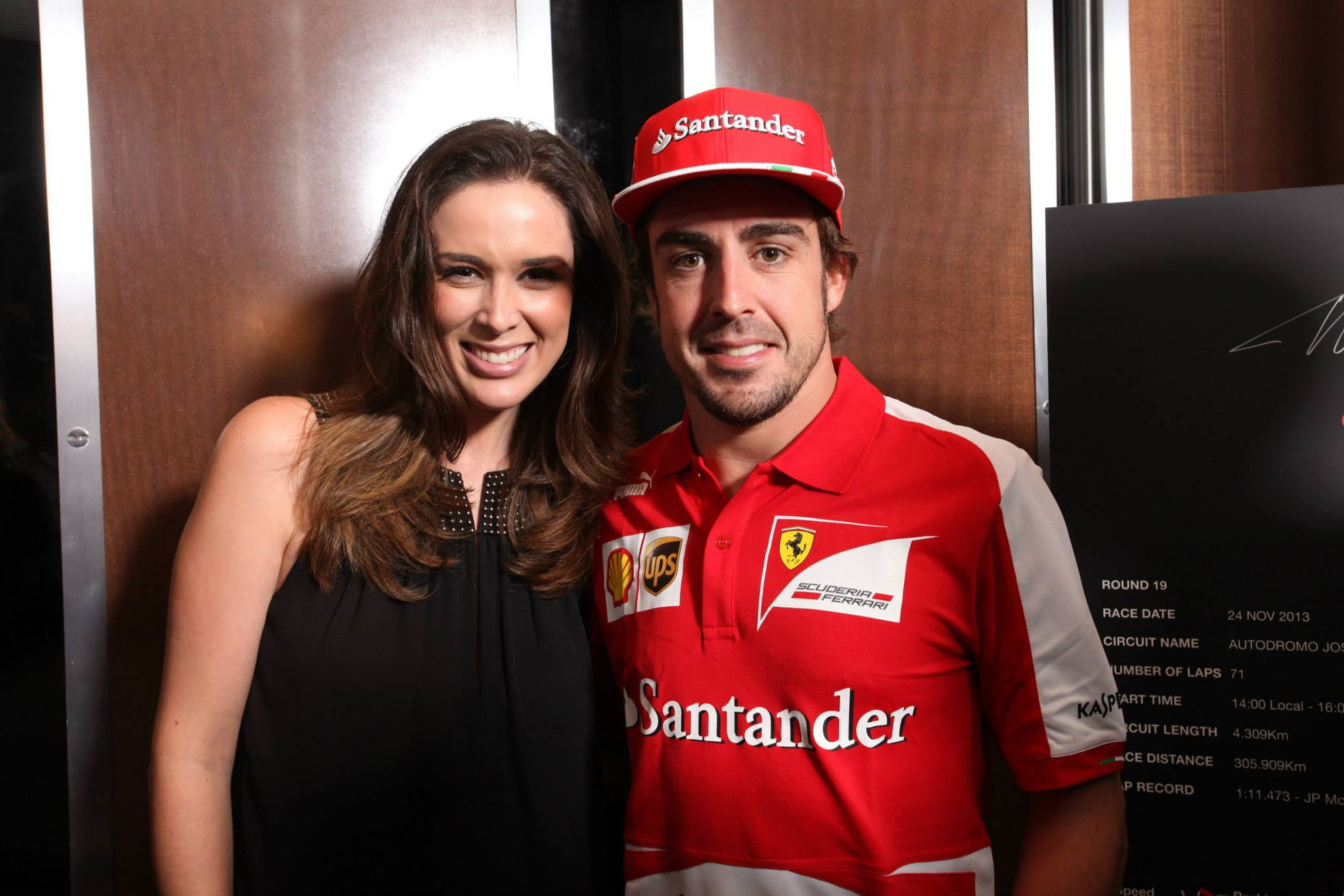 Fernando Alonso con Jacqueline Bracamontes.
