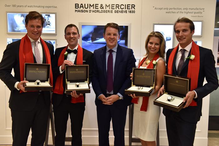 Baume et Mercier, Alain Zimmermann, durante la entrega de relojes a los estudiantes graduados.