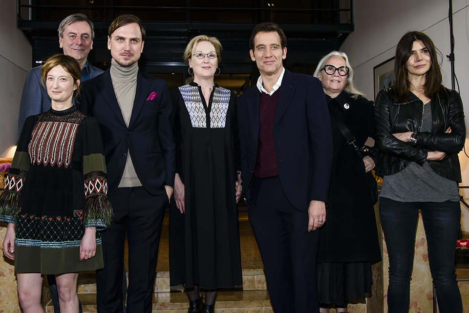 BERLIN, GERMANY - FEBRUARY 10: (L-R):  Alba Rohrwacher, Nick James, Lars Eidinger, Meryl Streep, Clive Owen, Brigitte Lacombe and Malgorzata Szumowska attend the International Jury photo call during the 66th Berlinale International Film Festival Berlin at Hotel Mandala on February 10, 2016 in Berlin, Germany.  (Photo by Clemens Bilan/Getty Images)