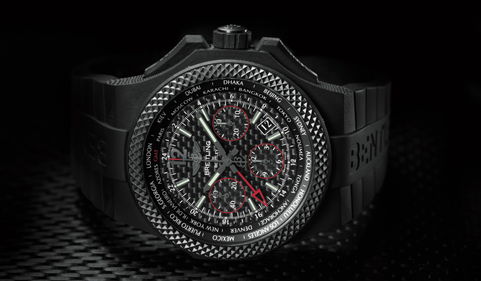Breitling-Bentley-GMT-B04S-Carbon-Body-1