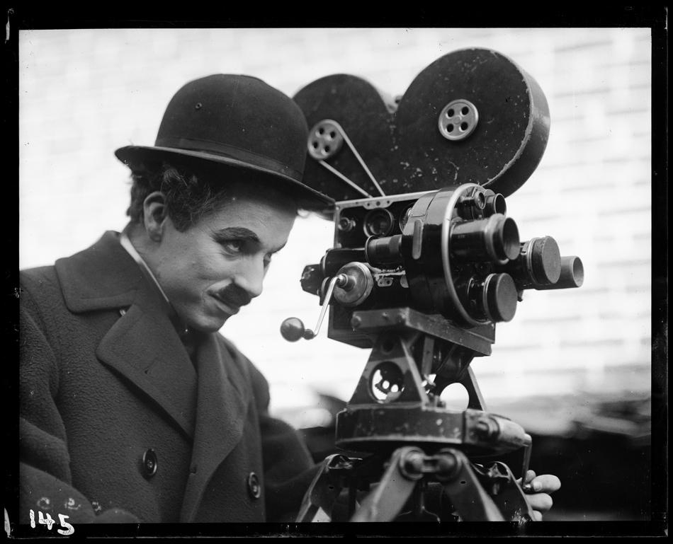 Chaplin_ModernTimes_1936_YvesDebraine_HD
