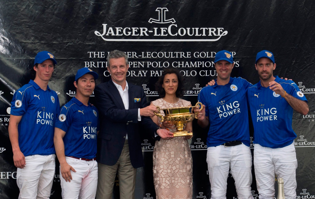 Jaeger-LeCoultre-CEO-Daniel-Riedo,-and-UK-Director-Zahra-Kassim-Lakha-presenting-the-Trophy-to-the-winning-team-King-Power-FoxesVanessa-Taylor-Photography
