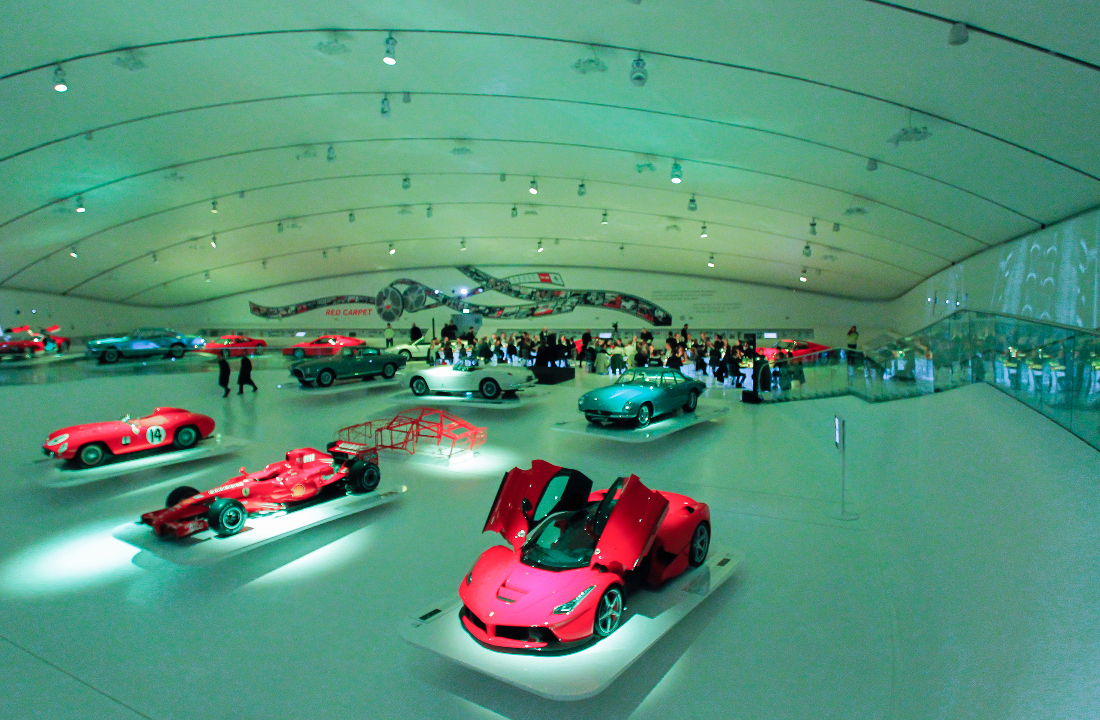 l_launch-of-the-big-bang-ferrari-at-the-museo-enzo-ferrari