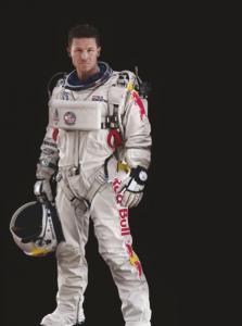 Felix Baumgartner llevaba en su brazo derecho El Primero Stratos Flyback Striking 10th.