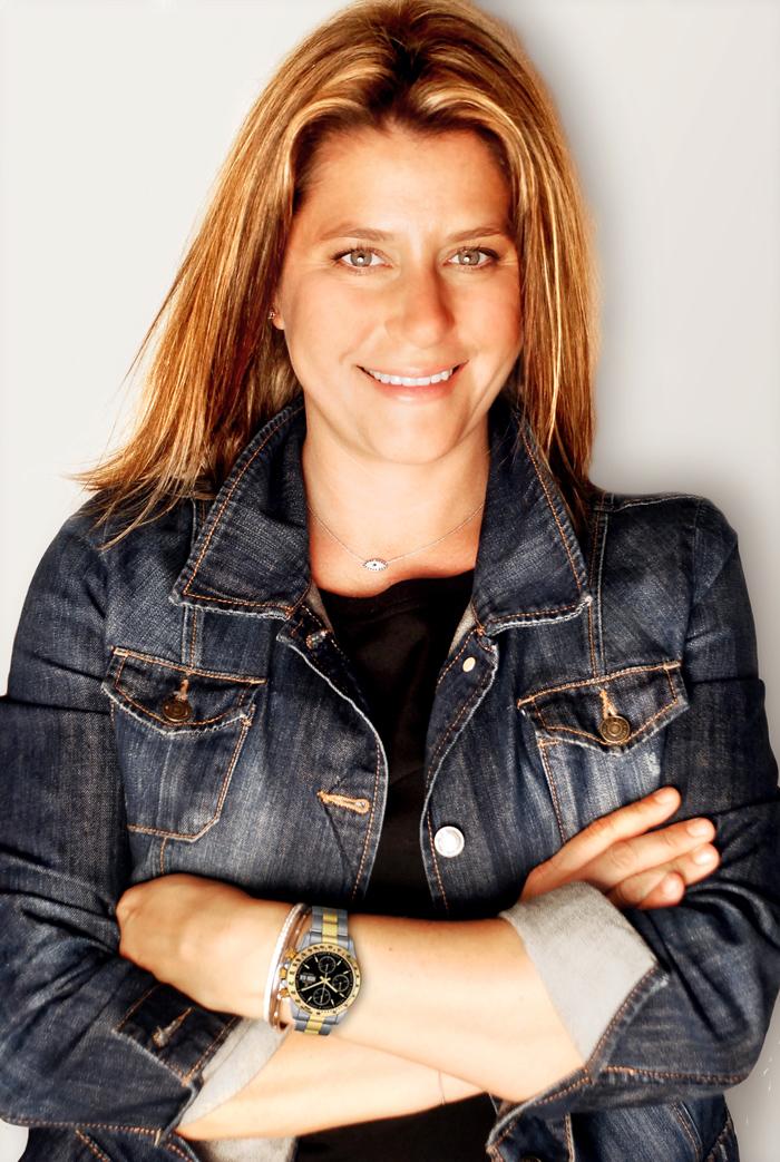 """Manon Colombies: """"Los amantes de relojes que hay en México; hay muy pocos países tan apasionados a la relojería, es sorprendente la cantidad de aficionados que hay en este país, que además goza de una cultura relojera difícil de engañar. El crecimiento para Festina es de gran potencial para 10 años, y mucho agrega la distribución y las joyerías independientes""""."""