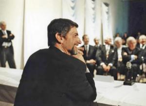Günter Blümlein en la conferencia de prensa