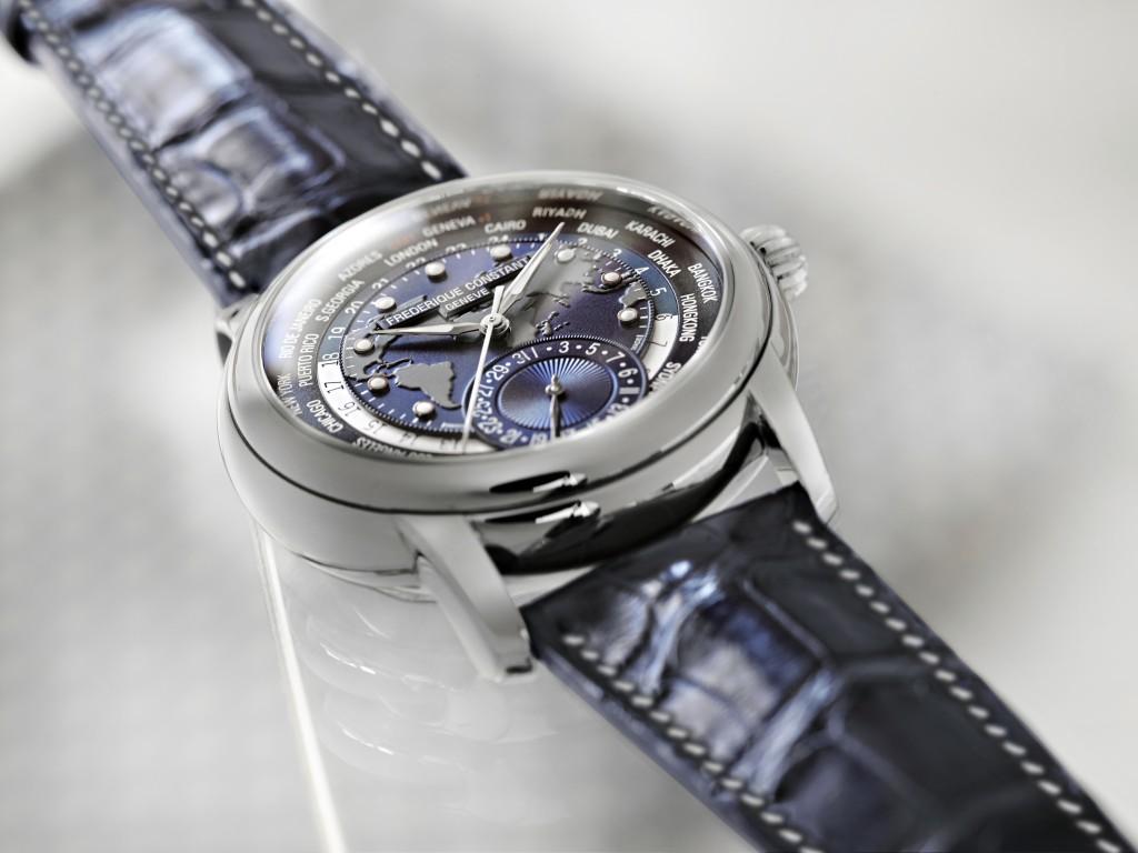 FC_2015_Classics_Manufacture_Worldtimer_Blue_FC-718NWM4H6_b