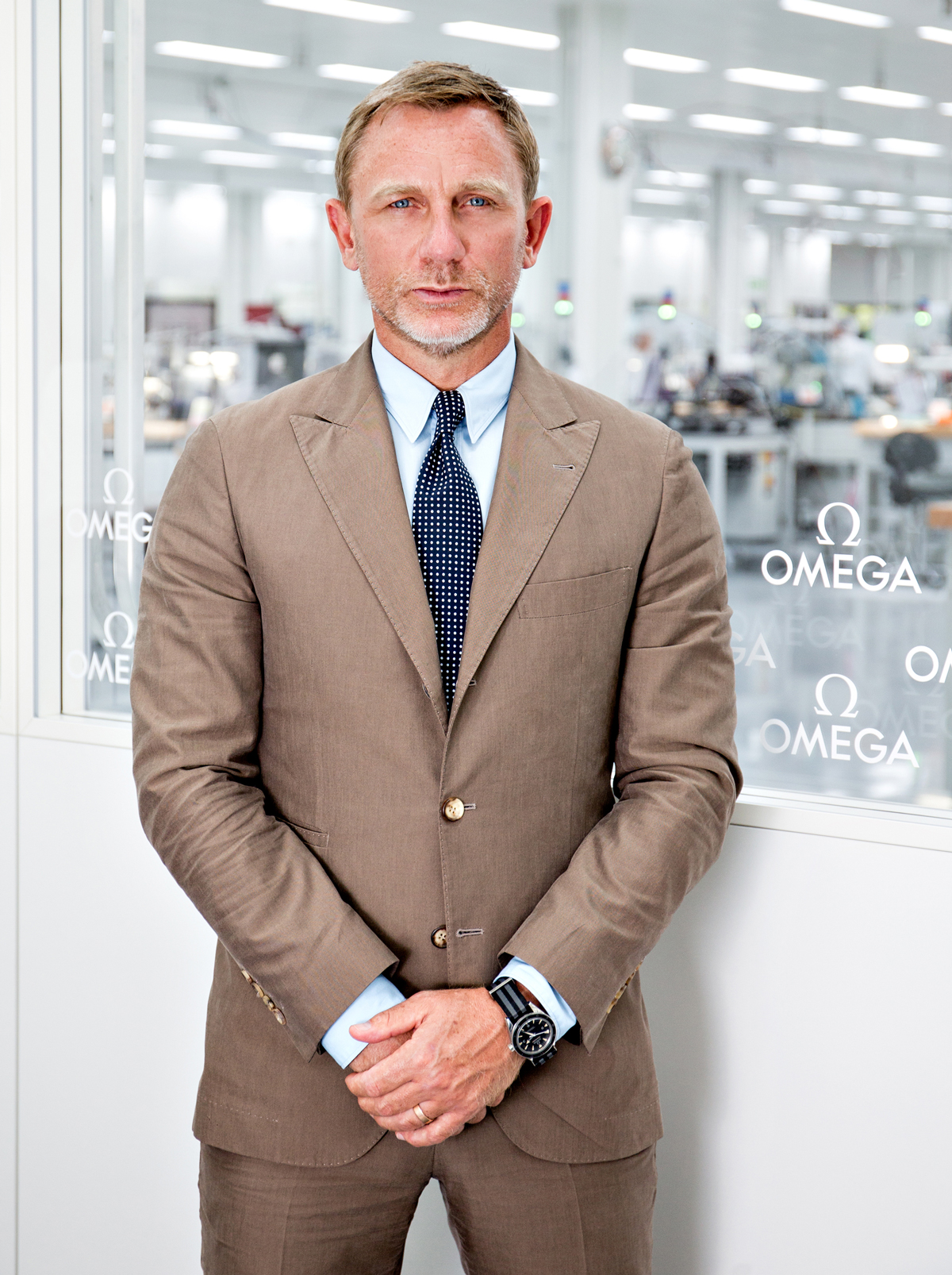 OMEGA Daniel-Craig-is-seen-at-the-OMEGA-Factory-Visit-in-Switzerland_2