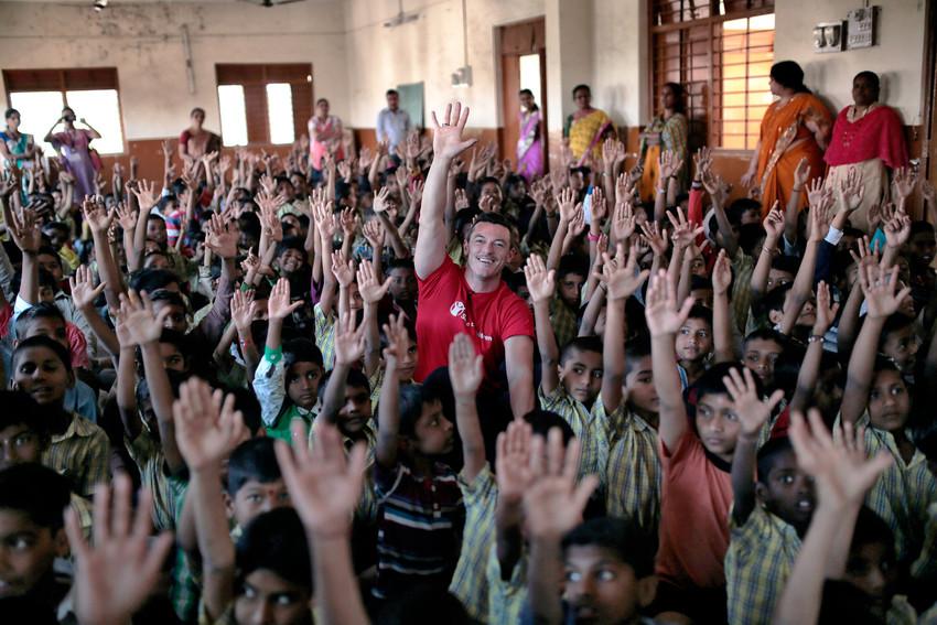 bulgari-rs129574_luke-mumbai-classroom-kids-scr