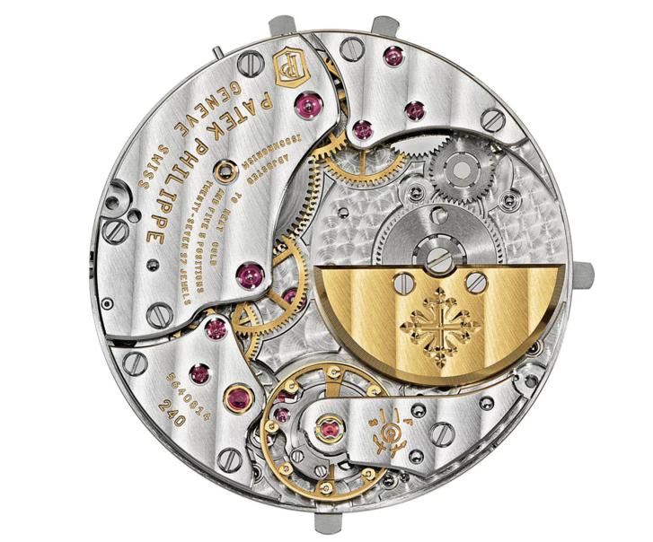 Patek-Philippe-Ref-5740-Nautilus-Perpetual-Calendar-2