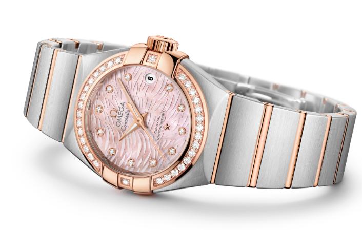 relojes-rosas-mes-de-la-mujer-octubre-cancer-mama-2019-Omega-Constellation-1
