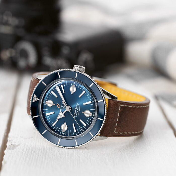 Breitling Superocean Heritage 57 Capsule-caratula azul piel