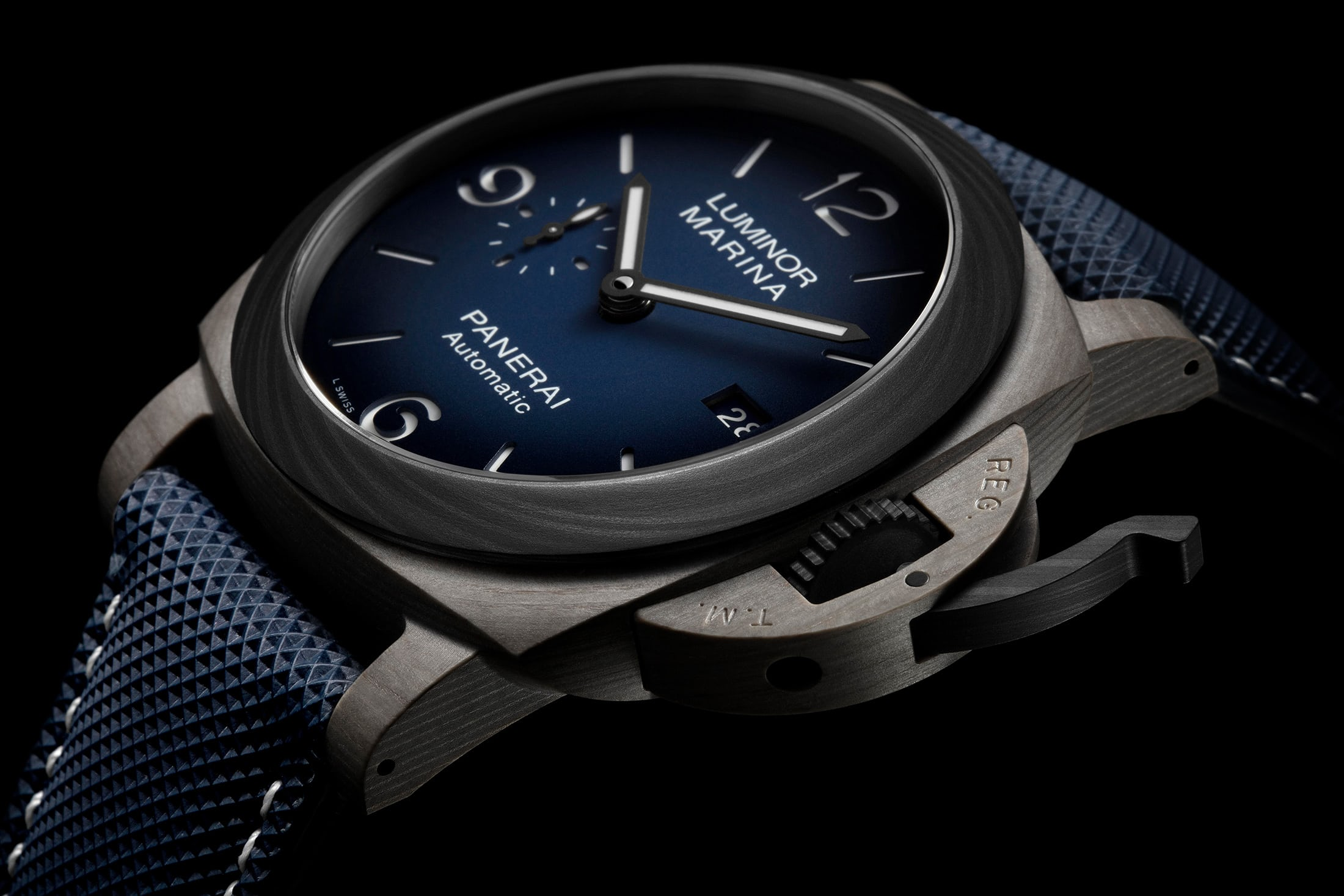 Panerai Luminor Marina Fibratech-hero
