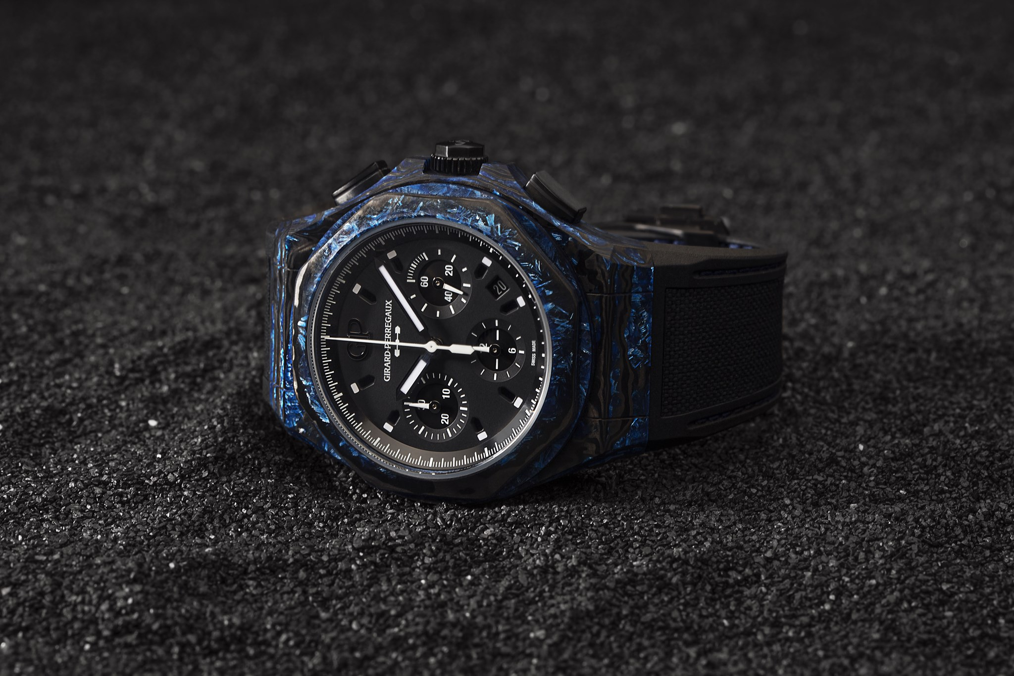 Girard-Perregaux Laureato Absolute Rock-hero slider