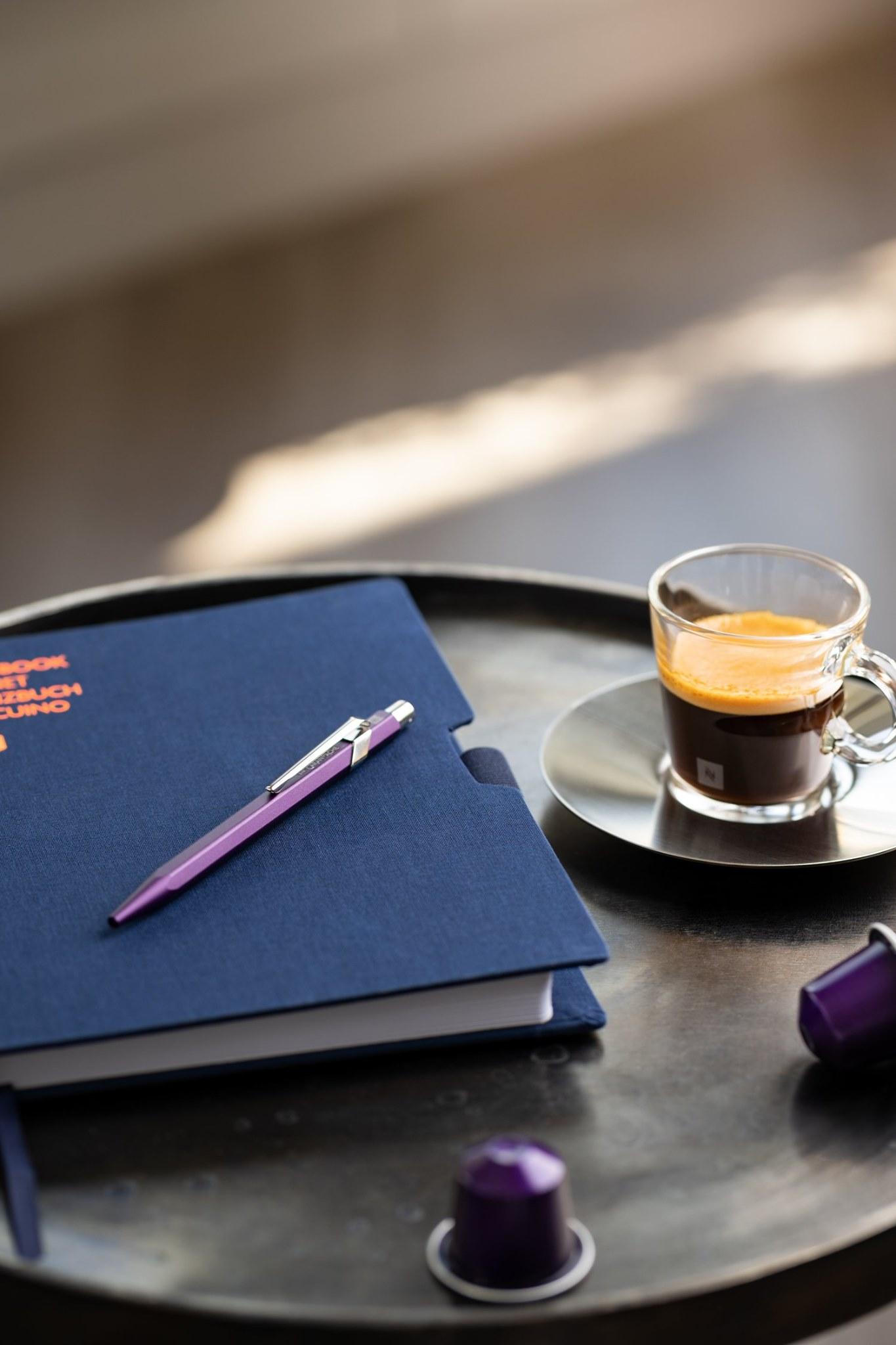 Caran d Ache 849 Nespresso Arpeggio-mesa cafe