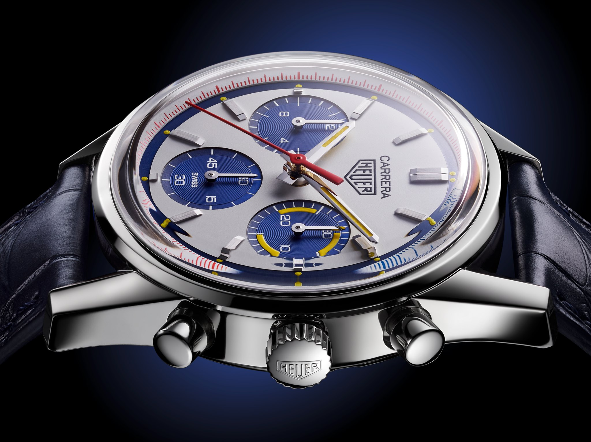 TAG Heuer Carrera 160 Years Montreal Limited Edition lateral