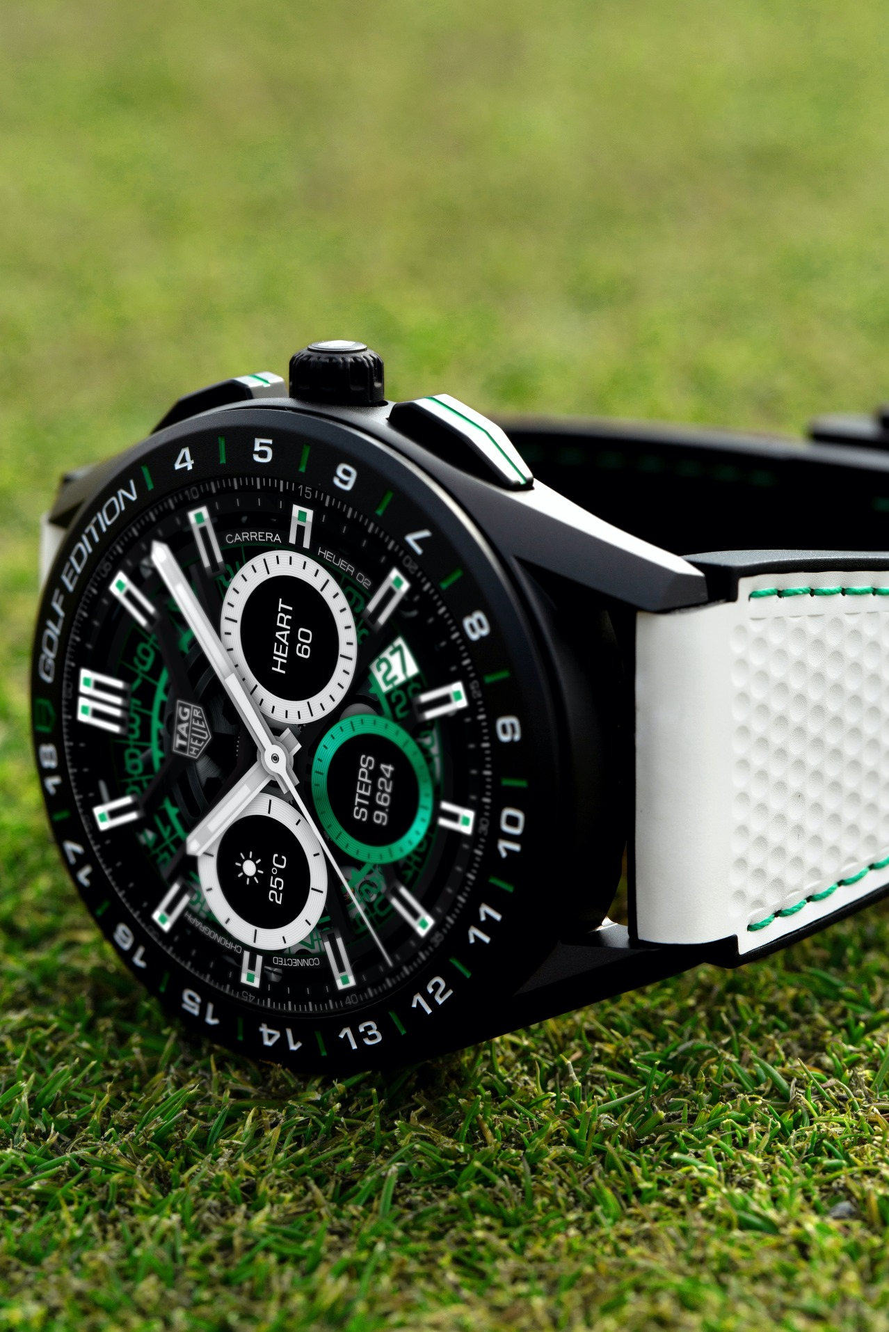 TAG Heuer Connected Golf Edition-grass