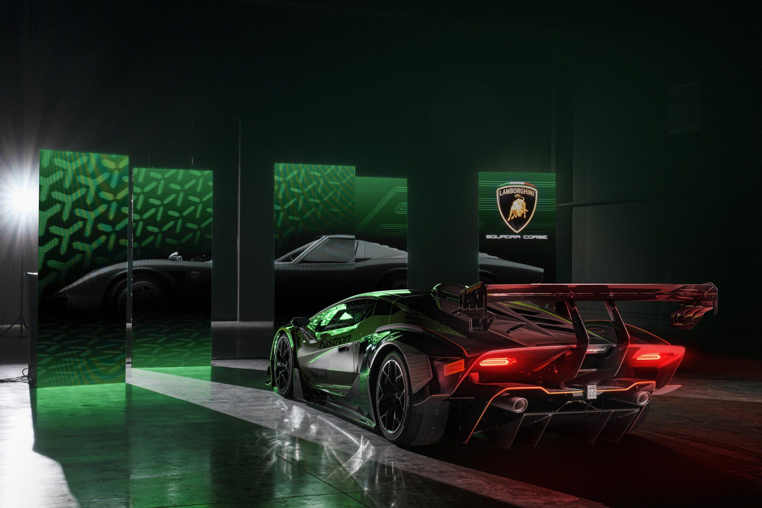 Lamborghini Essenza SCV12 tras
