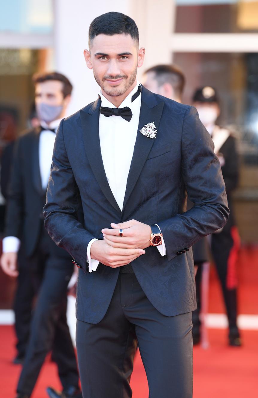 Alejandro Speitzer y Ester Expósito usan joyas Bvlgari en el Festival de Cine de Venecia