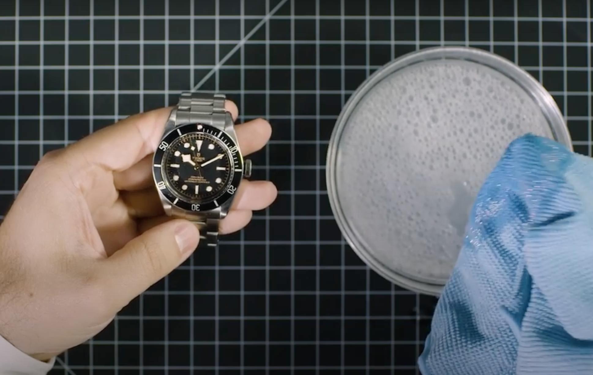 ¿Cómo limpiar tu reloj en 3 sencillos pasos?