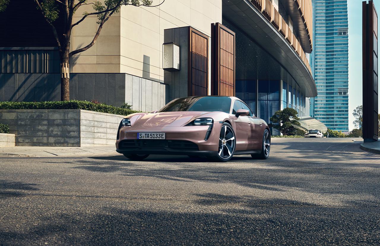 El auto oficialmente le puede dar mas de 400 kilómetros de rango eléctrico