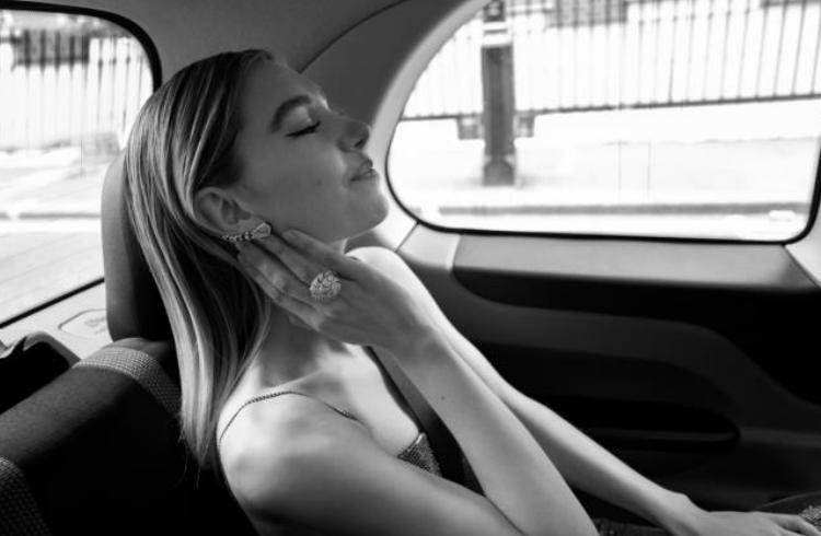 Relojes y joyas de Cartier conquistaron los EE British Academy Film Awards 2021