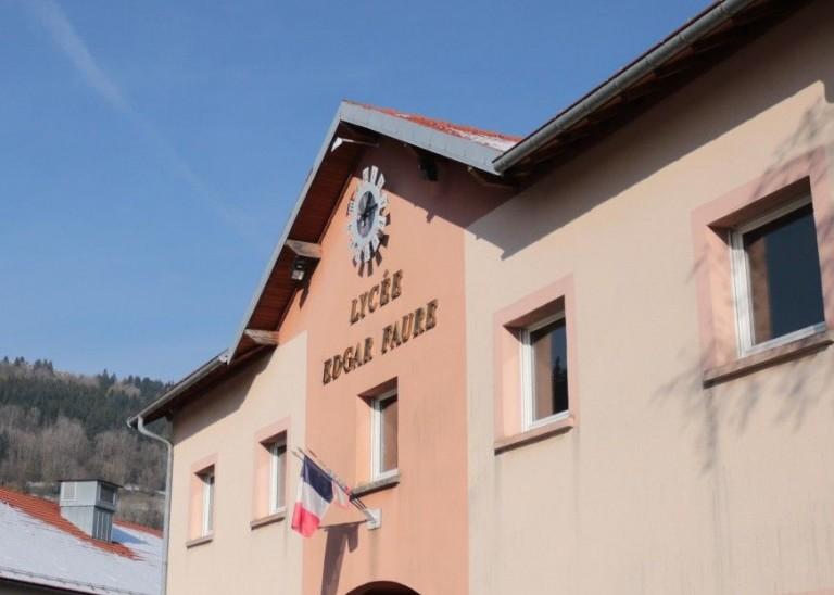 Lycée Edgar Faure 1 escuelas