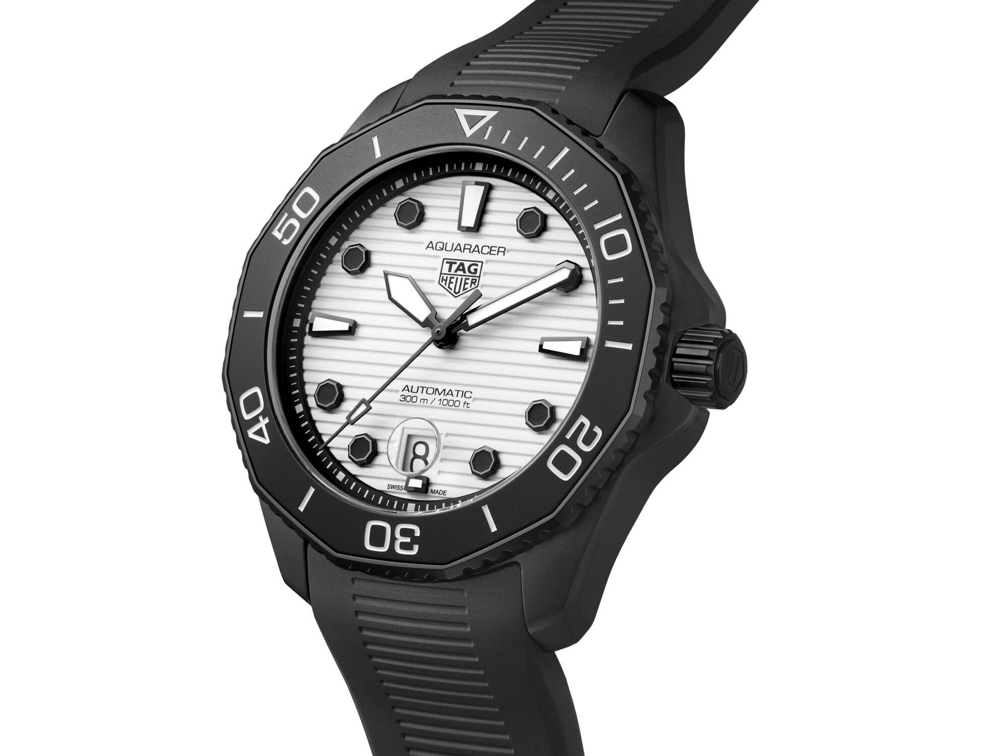 TAG Heuer Aquaracer Professional 300 Night Diver 3